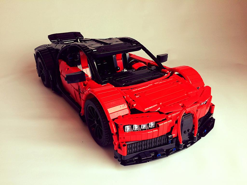 Lego Technic — Bugatti Chiron MOC custom