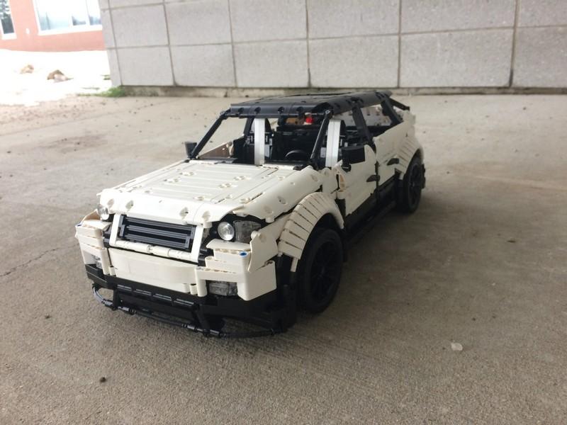 Lego Technic Range Rover Evoque — MOC