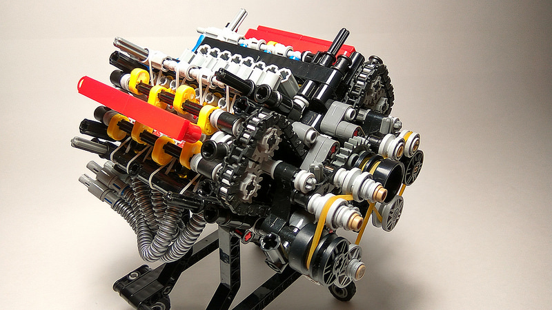 Lego technic — V8-32 VALVE 4-STROKES ENGINE