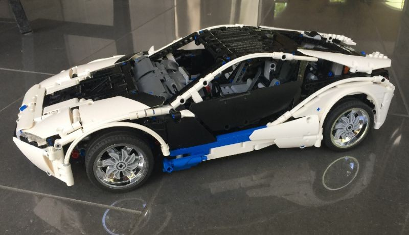 Lego Technic BMW i8 MOC