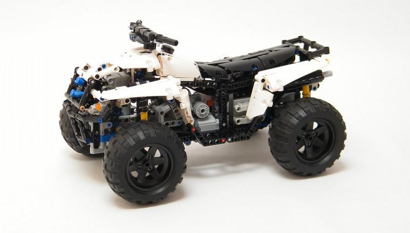 Lego Technic Motorized 4×4 Quad