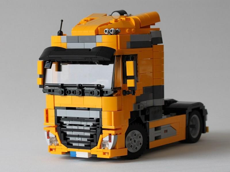 LEGO Model Team DAF XF FT (4×2)