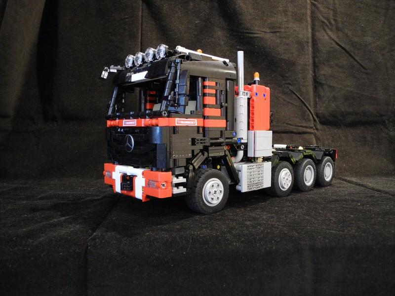Lego Technic Mersedes truck