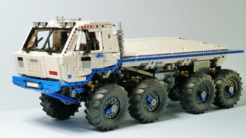 Lego technic Tatra T813 8×8 PROFA
