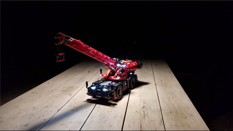 Lego Technic Remote controlled Rough Terrain Crane 42082