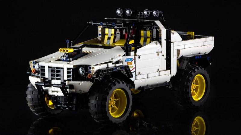 Lego Technic Custom Pick-Up 4X4 MOC