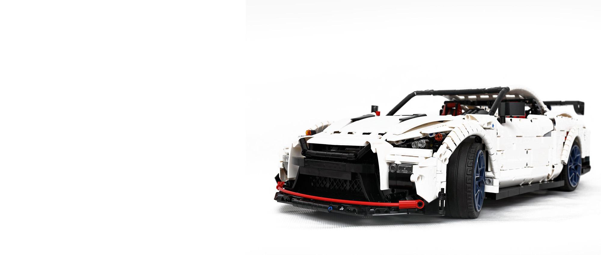 LEGO Technic - Nissan Nismo GTR в масштабе 1:8