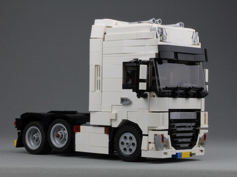 LEGO DAF XF 6×2 Super Space Cab